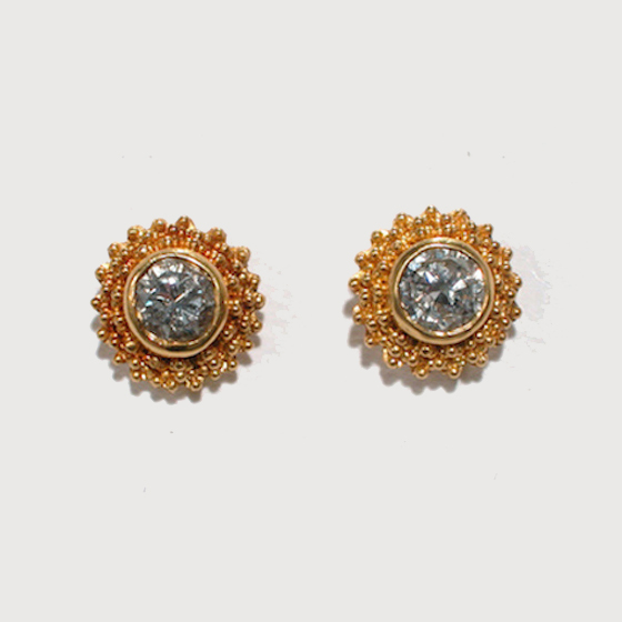 22 karat gold granulation, diamond gemstone